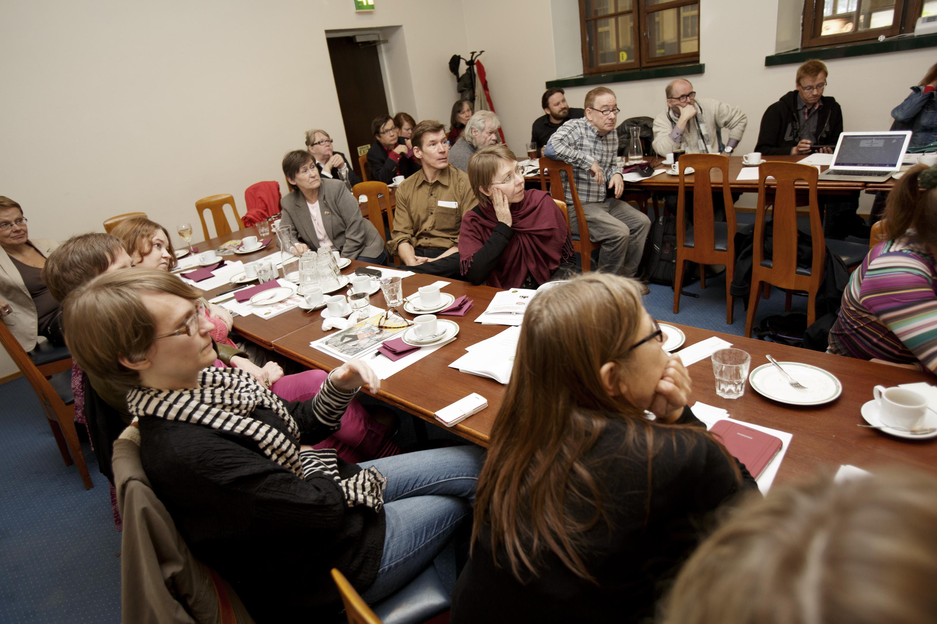 Pressiklubille kokoontui 30 jäsentä tekemään päätöksiä yhdistyksen toiminnasta.